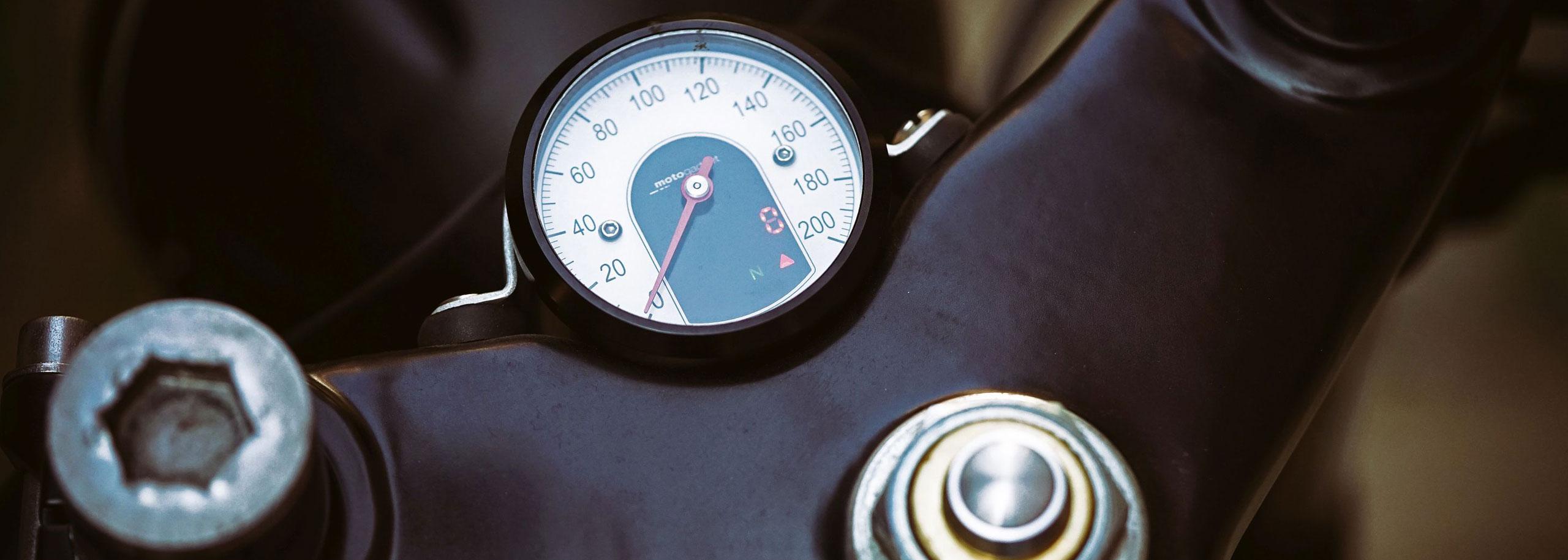 02_TITAN-BLUE-VALENTINE_Honda-Umba-CB-650-Four_Cafe-Racer-Graz-Motorrad-Umbau-Oesterreich-Vintage_Custom-Bikes-Einzigartiges-Design