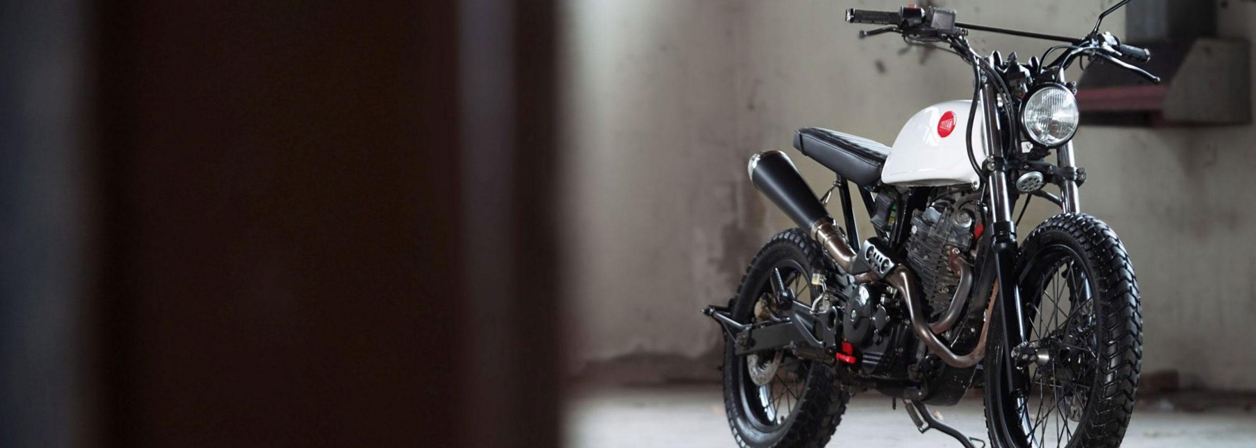 02_TITAN-Duet-of-Trackers-Honda-Umbau-Graz-Tracker-Scrambler-Cafe-Racer-SLR-650-Vigor-Styiran-Design