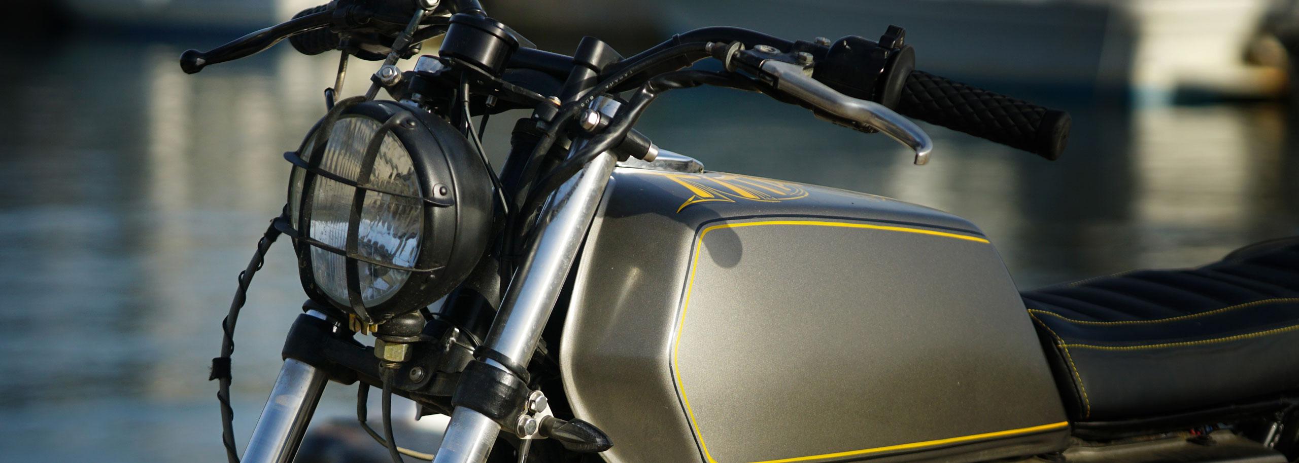03_TITAN-Greek_Yamaha-Umbau-XS-500_Cafe-Racer-Graz-Motorrad-Umbau-Austria-Vintage_Custom-Bikes_Zweirad_Custom