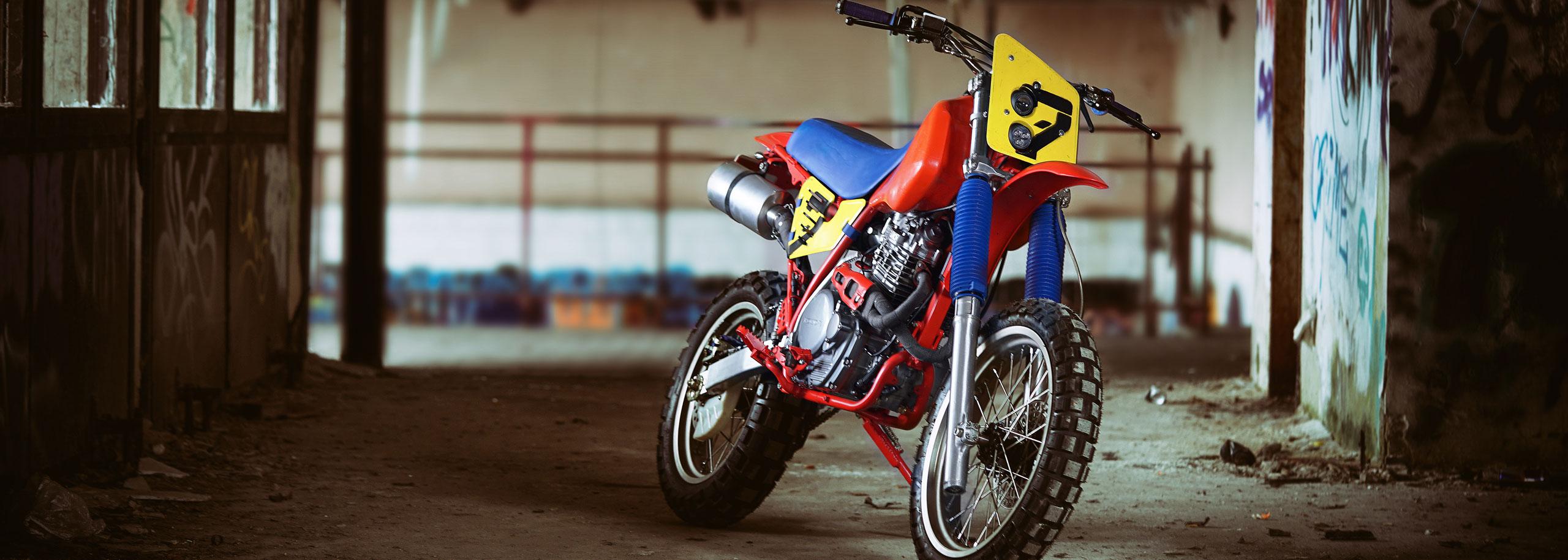 03_Urban-Crosser-Honda-XR600-Titan-Motorcycle-Co-Austria-Typisiert-Graz-Custom-Bikes-made-in-Styria-Austria