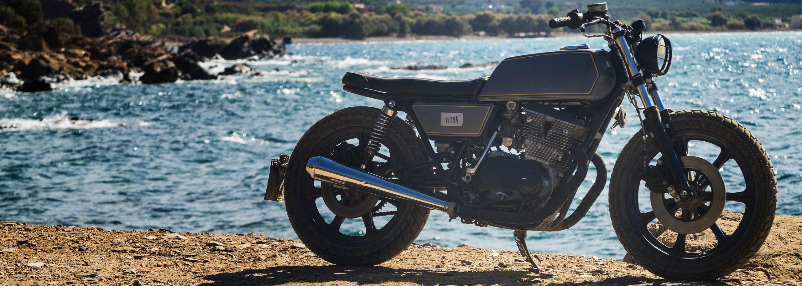 04_TITAN-Greek_Yamaha-Umbau-XS-500_Cafe-Racer-Graz-Motorrad-Umbau-Austria-Vintage_Custom-Bikes_Zweirad_Custom