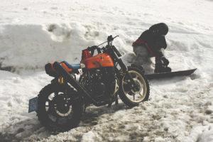 Cafe-Racer-Graz-Umbau-Kawasaki-Z500-Custom-Beast-Snowboard-Bike-Lifestyle-Tüv-Typisierung-Styrian-Motorcycles_Scrambler-Design-Handmade (2a)
