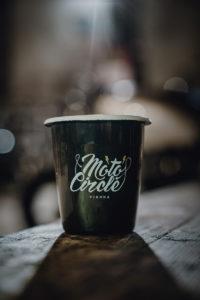 Cafe-Racer-Lifestyle-Fashion-Streetwear-Foodtrucks-Music-Workshops-Handcraft-Custom-Bikes-Motorrad-Umbauten_2018_Moto-Circle-Festival_(c)Max-Mauthner_2000px_08774 (7)
