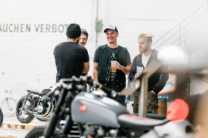 copyright Malerisch-Untalentiert-Moto-Circle-Festival-2017-Wien_Titan-Motorcycle-Shenfu-Cafe-Racer-Lifestyle-Fashion-Streetwear-Foodtrucks-Music-Workshops-Handcraft-Custom-Bikes-Motorrad-Umbauten-Messe (18)