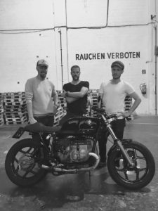 Moto-Circle-Festival-2017-Wien_Titan-Motorcycle-Shenfu-Cafe-Racer-Lifestyle-Fashion-Streetwear-Foodtrucks-Music-Workshops-Handcraft-Custom-Bikes-Motorrad-Umbauten-Messe (21)