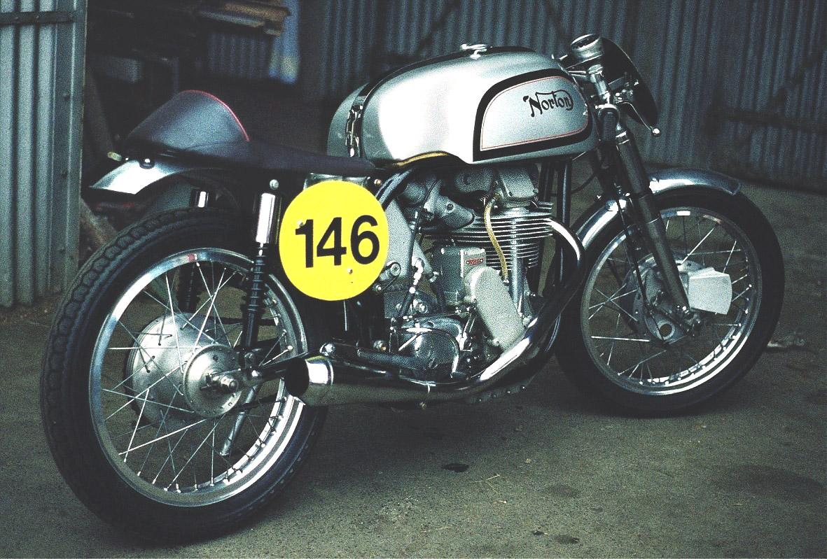 Lothar Spurzem_NortonManx,Bj.1954_Custom-Bike-Cafe-Racer-Wiki