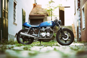 TITAN-BLUE-VALENTINE_Honda-Umba-CB-650-Four_Cafe-Racer-Graz-Motorrad-Umbau-Oesterreich-Vintage_Custom-Bikes-Einzigartiges-Design (1)