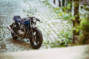 TITAN-BLUE-VALENTINE_Honda-Umba-CB-650-Four_Cafe-Racer-Graz-Motorrad-Umbau-Oesterreich-Vintage_Custom-Bikes-Einzigartiges-Design (10)