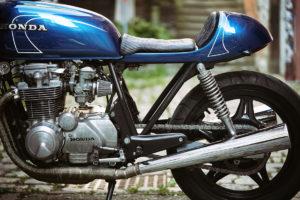 TITAN-BLUE-VALENTINE_Honda-Umba-CB-650-Four_Cafe-Racer-Graz-Motorrad-Umbau-Oesterreich-Vintage_Custom-Bikes-Einzigartiges-Design (12)