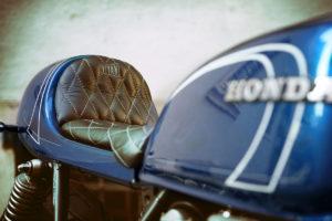 TITAN-BLUE-VALENTINE_Honda-Umba-CB-650-Four_Cafe-Racer-Graz-Motorrad-Umbau-Oesterreich-Vintage_Custom-Bikes-Einzigartiges-Design (3)