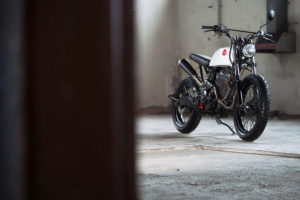 TITAN-Duet-of-Trackers-Honda-Umbau-Graz-Tracker-Scrambler-Cafe-Racer-SLR-650-Vigor-Styiran-Design (2)