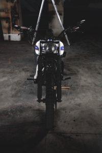 TITAN-Harley-Davidson-Dyna-Wide-Glide-Evel-Knievel_Harley-Umbau_Cafe-Racer-Graz-Motorrad-Umbau-Austria-Vintage_Custom-Bikes (4)