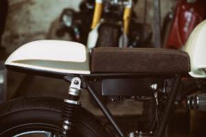 TITAN-Heavy-Metal_Honda-Yamaha-Umbau-XS-850_Cafe-Racer-Graz-Motorrad-Umbau-Austria-Vintage_Custom-Bikes-Sattel-Heck-Umbau (14)