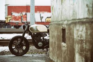 TITAN-Heavy-Metal_Honda-Yamaha-Umbau-XS-850_Cafe-Racer-Graz-Motorrad-Umbau-Austria-Vintage_Custom-Bikes-Sattel-Heck-Umbau (25)