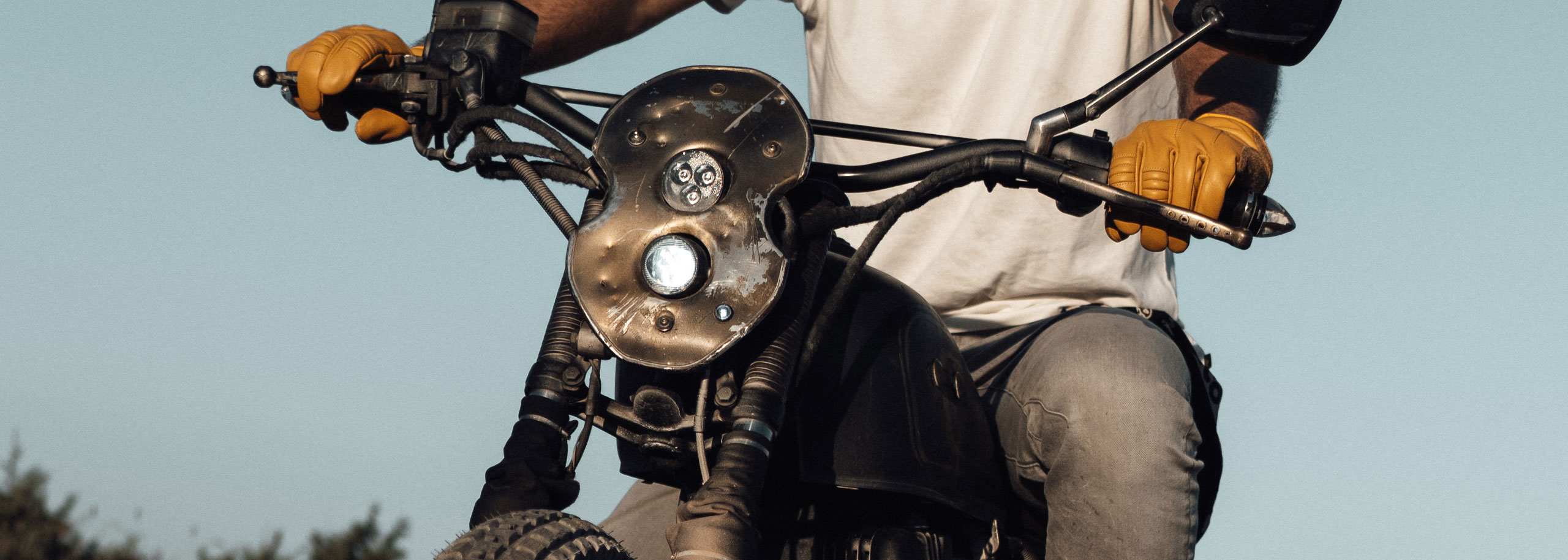 TITAN-Myrmidon-Honda-CB-400N-Cafe-Racer-Scrambler-Tracker-Custom-Bike-Graz