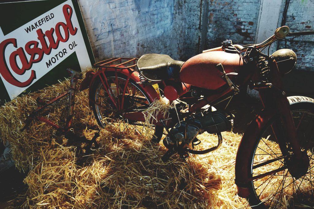 Titan-Motorcycles-Graz-Custom-Bikes_Motorrad-Umbau-Graz_Motor-Oel_Oil-Welches-Motoroel_Beschreibung_Was-ist_Synthetisch-Mineralisch_Gold-08