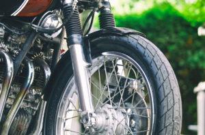 Titan-Sakura-Honda-CB-500-Four-Umbau-Classic-Cafe-Racer-Vierzylinder-Custom-Bikes-Graz (1)