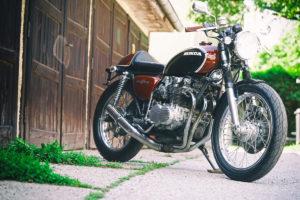Titan-Sakura-Honda-CB-500-Four-Umbau-Classic-Cafe-Racer-Vierzylinder-Custom-Bikes-Graz (6)
